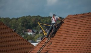 5 Qualities to Look For in a Roofing Contractor